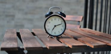 alarm-clock-number-table-clock