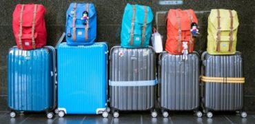Jak nie pójść z torbami, pakując się do samolotu?